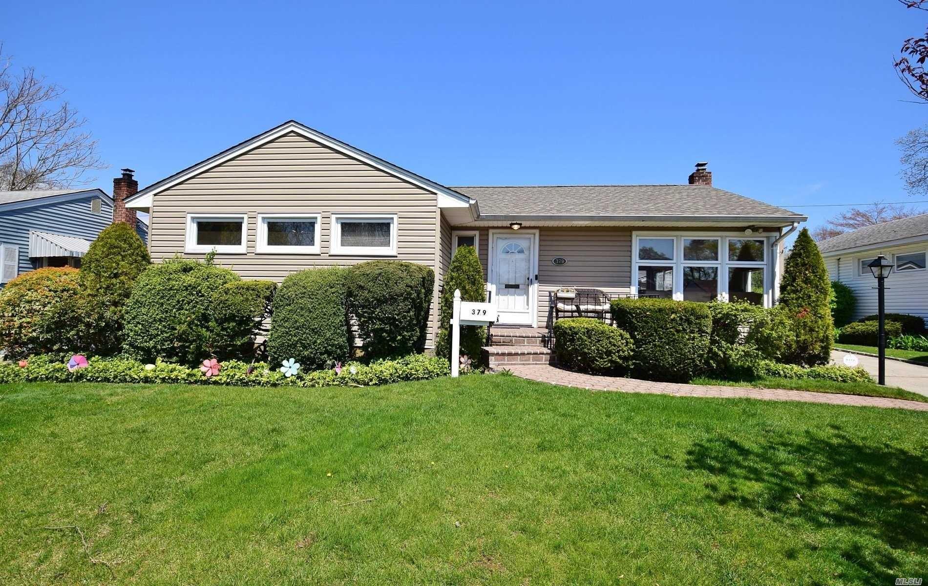 379 Spruce Lane, East Meadow, NY 11554 - MLS#: 3212511