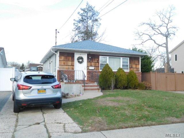 29 Chestnut Street, Massapequa, NY 11758 - MLS#: 3274511