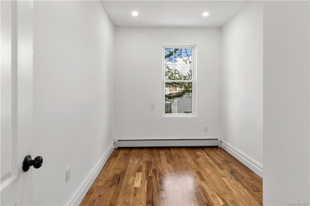 Photo of 288 Logan Avenue, BRONX, NY 10465 (MLS # H6114512)