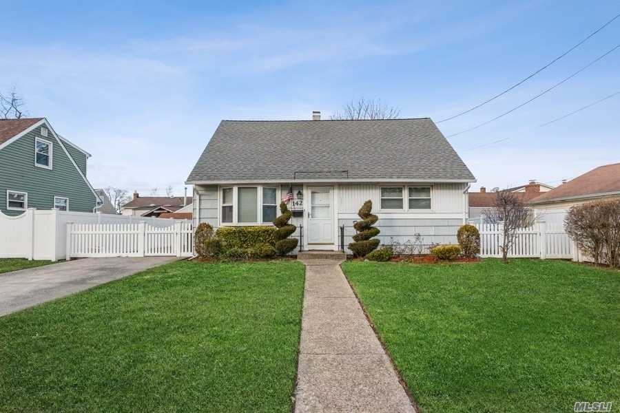 142 Moore Ave, Oceanside, NY 11572 - MLS#: 3283514