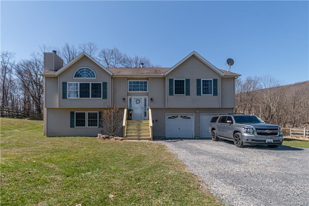 Photo for 20 Buttonwood Road, Bloomingburg, NY 12721 (MLS # H6106515)