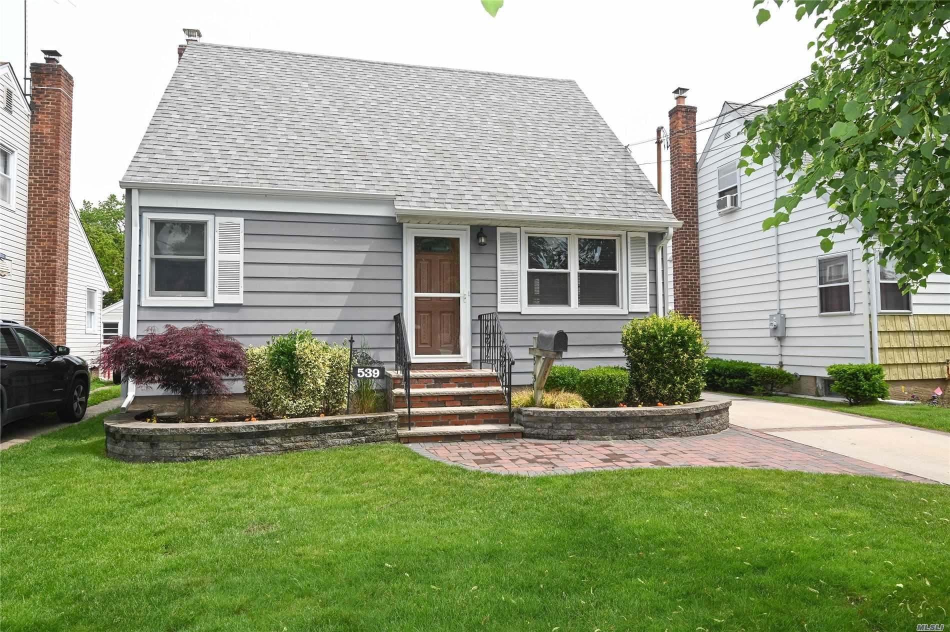 539 11th Ave, New Hyde Park, NY 11040 - MLS#: 3221516