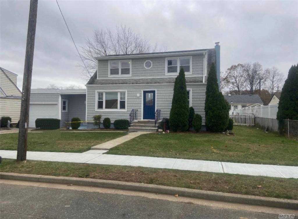 Photo of 242 N Rutherford Avenue, Massapequa, NY 11758 (MLS # 3270519)