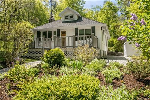 Photo of 28 Lee Avenue, Putnam Valley, NY 10579 (MLS # H6040526)