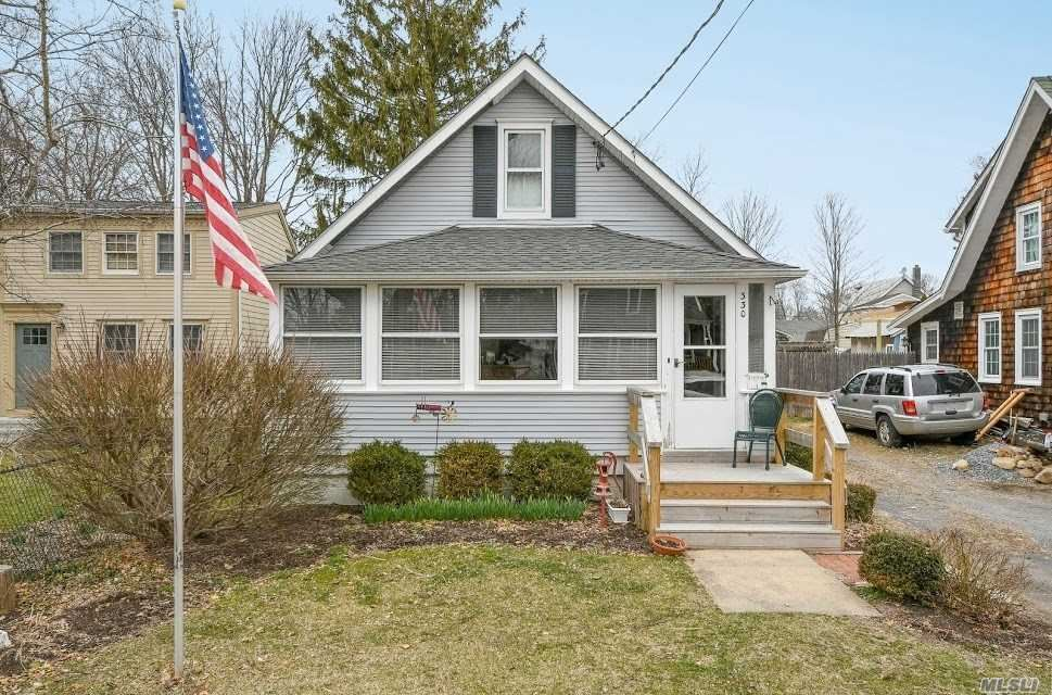 235 Bridge Street, Greenport, NY 11944 - MLS#: 3113527
