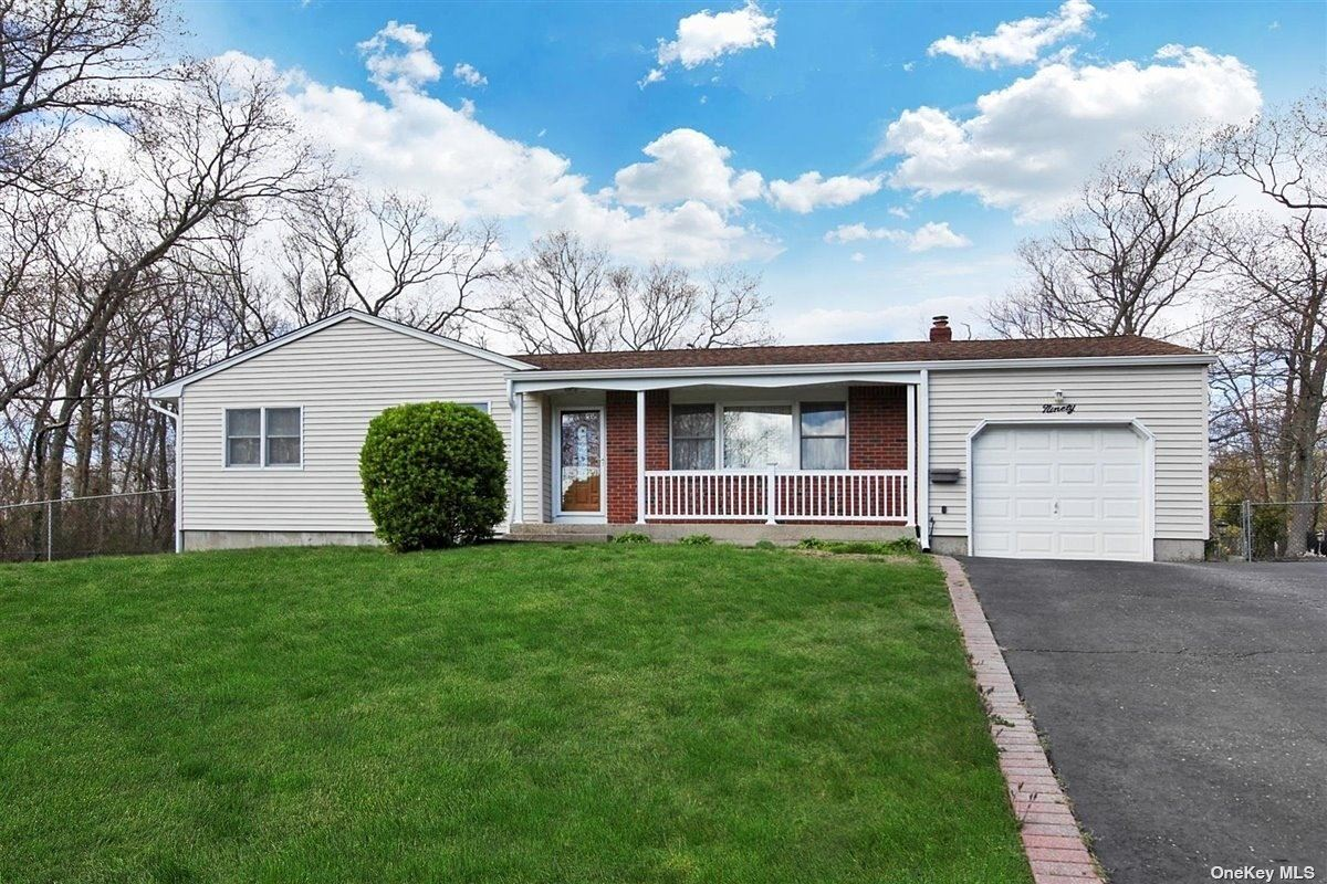 90 Truberg Avenue, Patchogue, NY 11772 - MLS#: 3304528