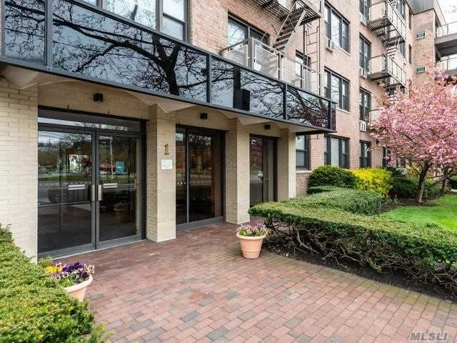 1 Birchwood Court Court NE #1D, Mineola, NY 11501 - MLS#: 3212529