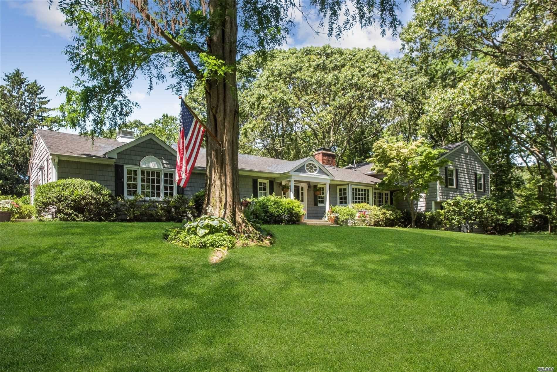 Photo of 49 White Oak Tree Rd, Laurel Hollow, NY 11791 (MLS # 3231529)