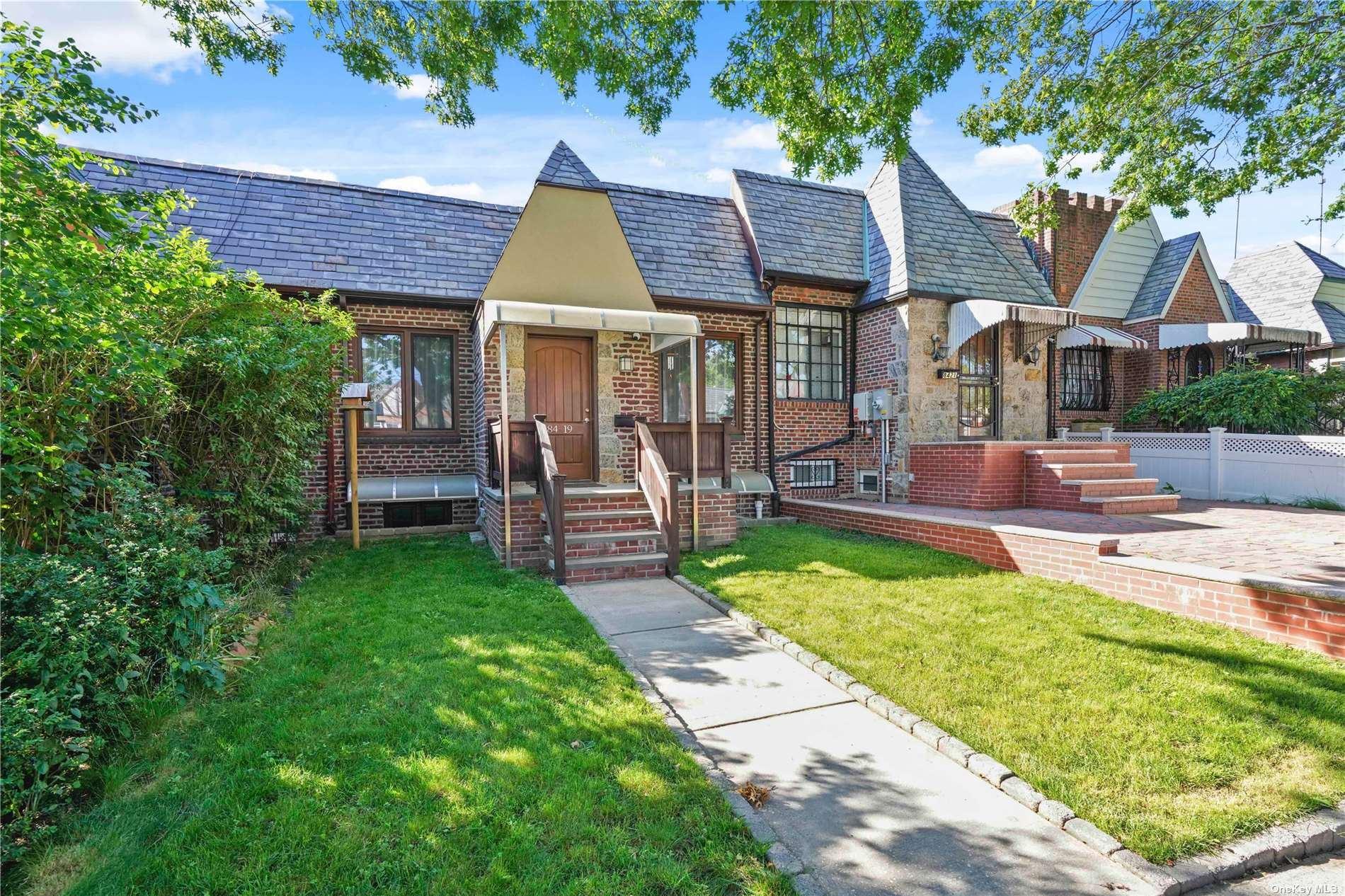 84-19 Doran Avenue, Glendale, NY 11385 - MLS#: 3323531