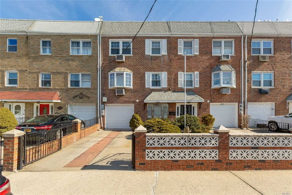 61-31 75th Street, Middle Village, NY 11379 - MLS#: 3105534