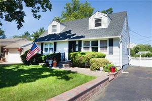 Photo of 7 Terrell Ln, Hicksville, NY 11801 (MLS # 3179536)