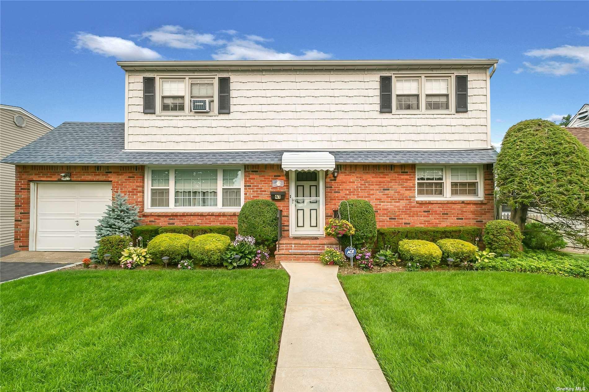 41 Dean Street, Hicksville, NY 11801 - MLS#: 3334537