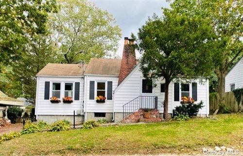Photo of 9 Birch Drive, Huntington Sta, NY 11746 (MLS # 3353538)