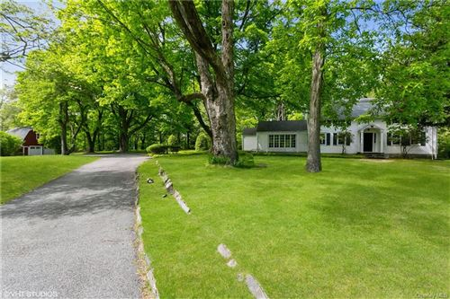 Photo of 51 Round Hill Road, Armonk, NY 10504 (MLS # H6040538)