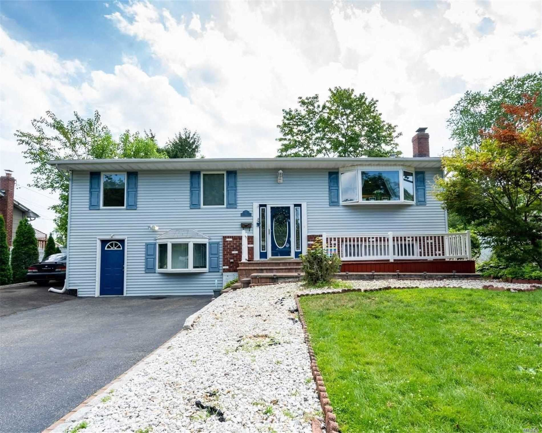 10 Dedham Pl, Kings Park, NY 11754 - MLS#: 3236538