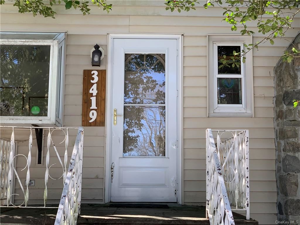 Photo for 3419 N Shelley Street, Mohegan Lake, NY 10547 (MLS # H6070538)