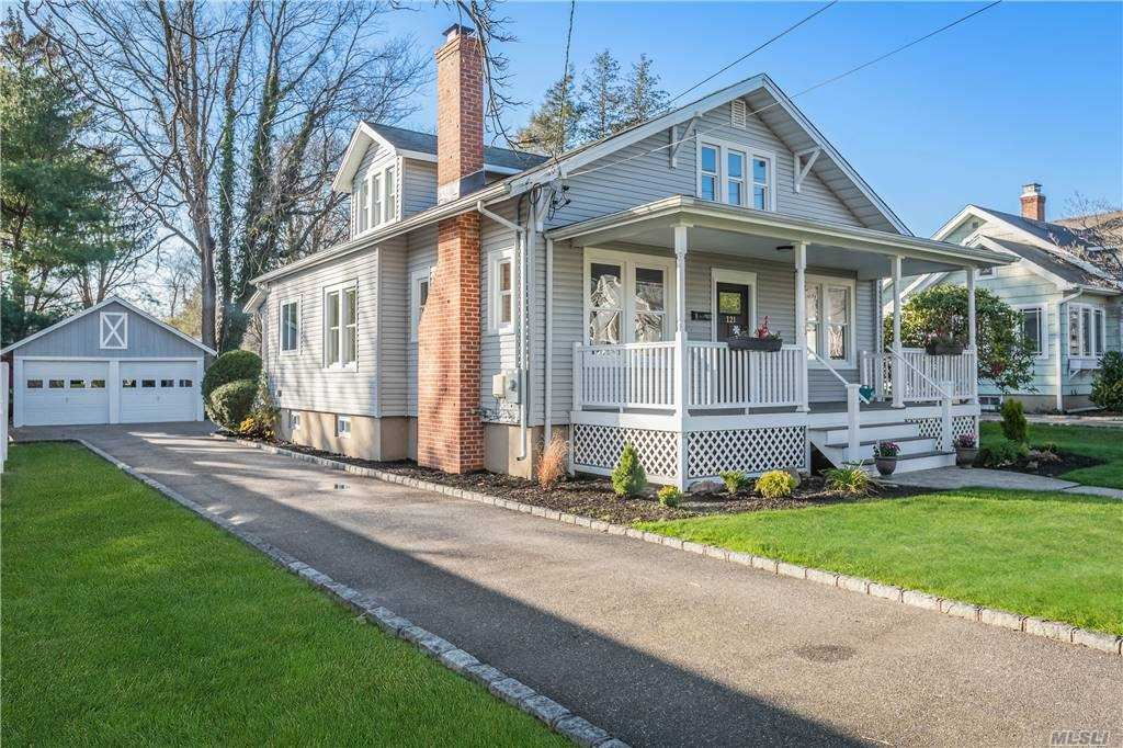 121 Clinton Avenue, Huntington, NY 11743 - MLS#: 3272539