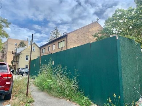 Photo of 9 Dash Place, BRONX, NY 10463 (MLS # H6150547)