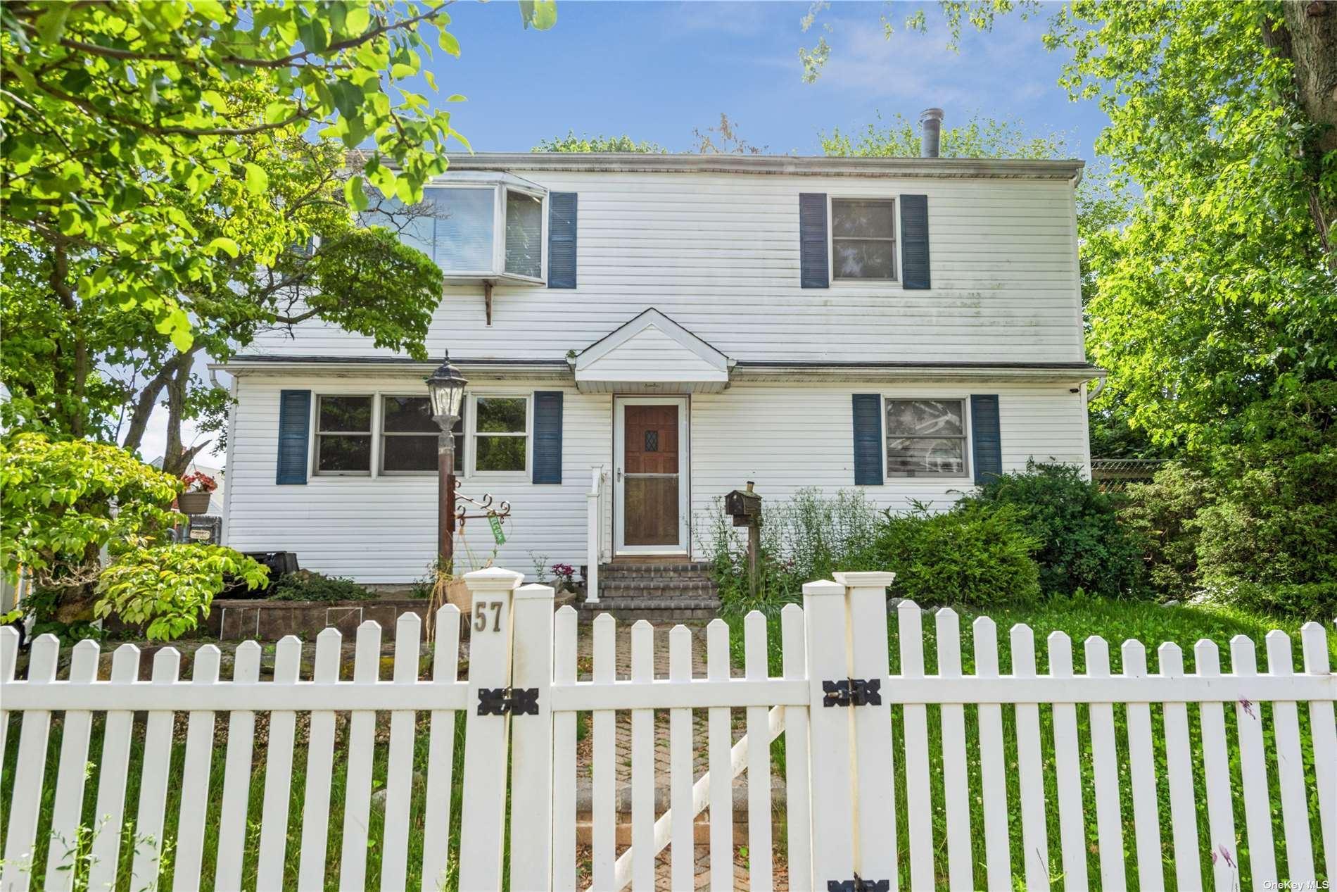 57 Spruce Street, Hicksville, NY 11801 - MLS#: 3322548