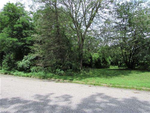 Photo of 88 Promenade Drive, Riverhead, NY 11901 (MLS # 3328552)