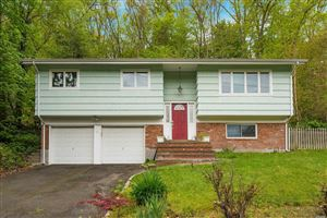 Photo of 86 Sugar Toms Ln, East Norwich, NY 11732 (MLS # 3127553)