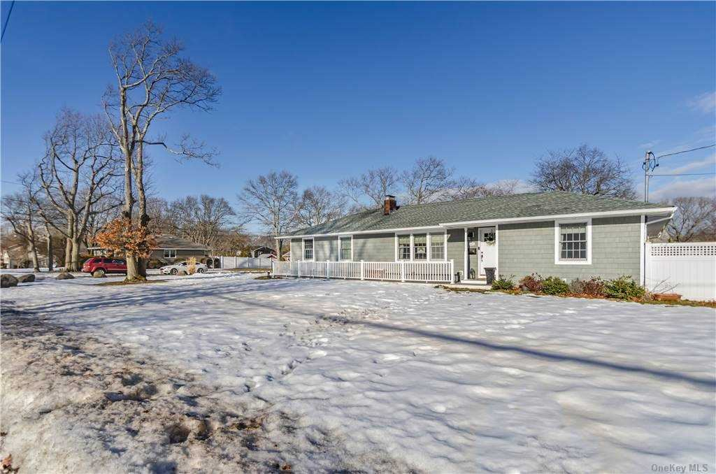 221 N Prospect Avenue, Patchogue, NY 11772 - MLS#: 3287553