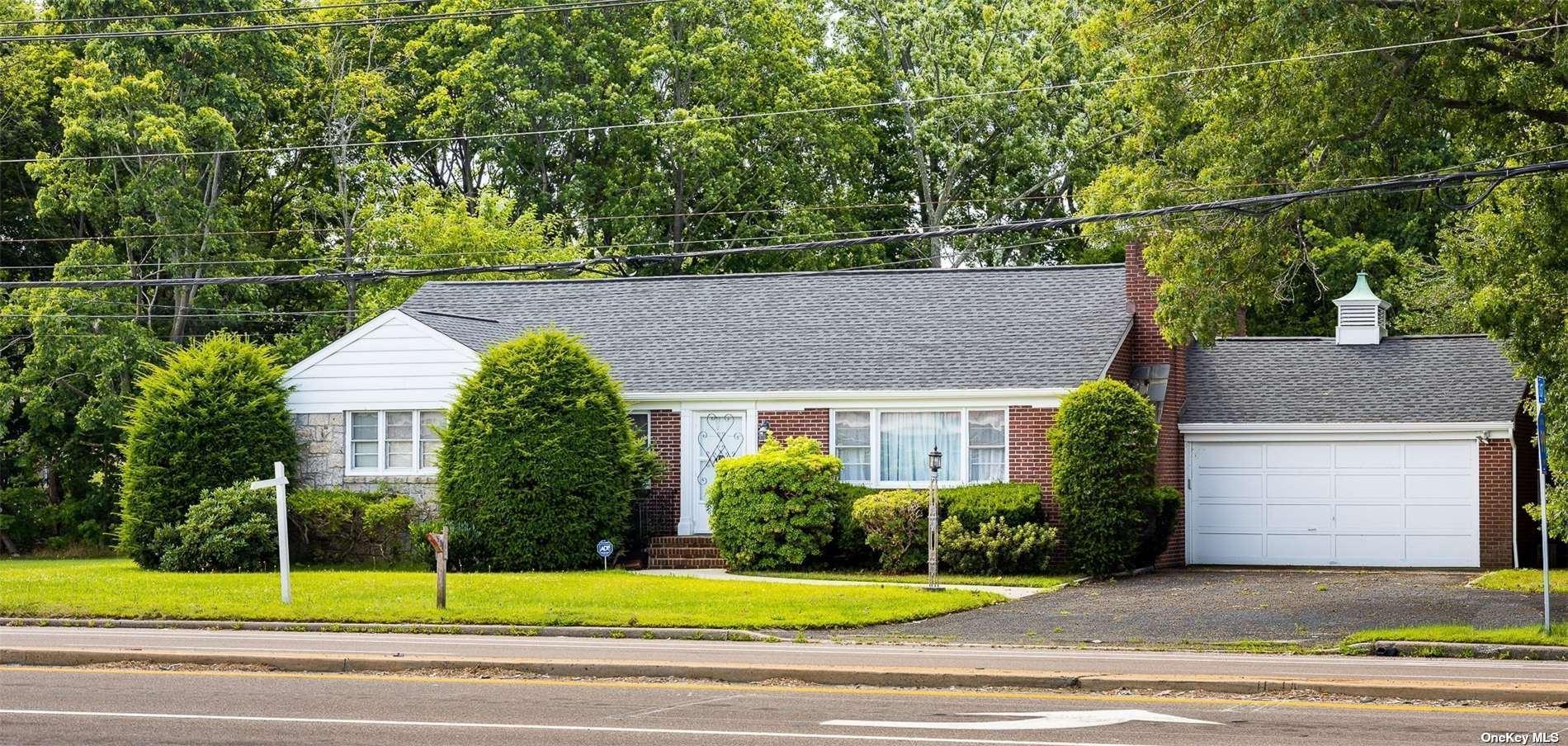 52 E Woodside Avenue, Patchogue, NY 11772 - #: 3345555