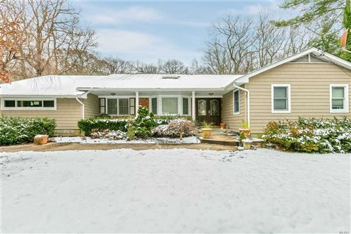 Photo of 38 Arbor Ln, Dix Hills, NY 11746 (MLS # 3184556)