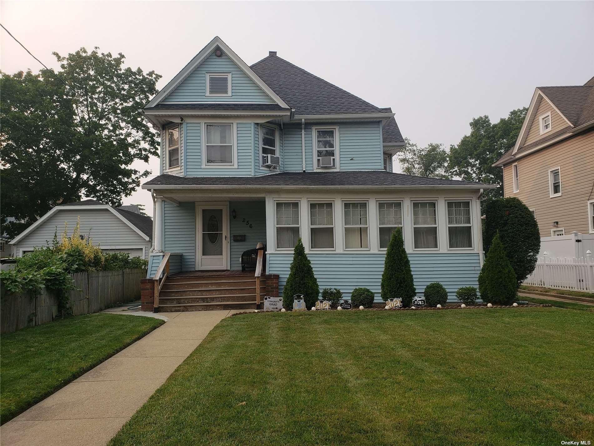 256 Pine Street, Freeport, NY 11520 - MLS#: 3331557