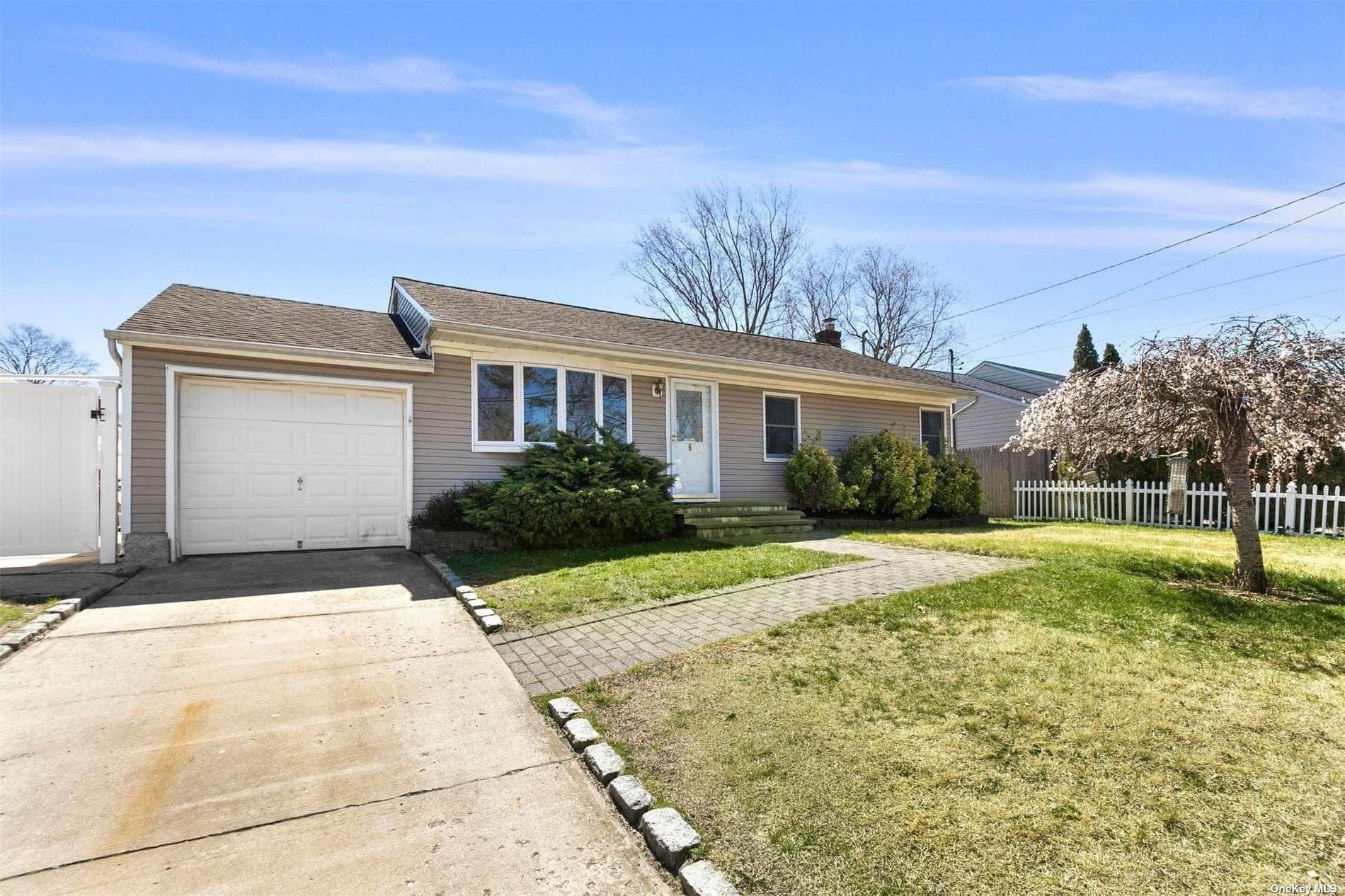 6 Donald Lane, Huntington, NY 11743 - MLS#: 3303559