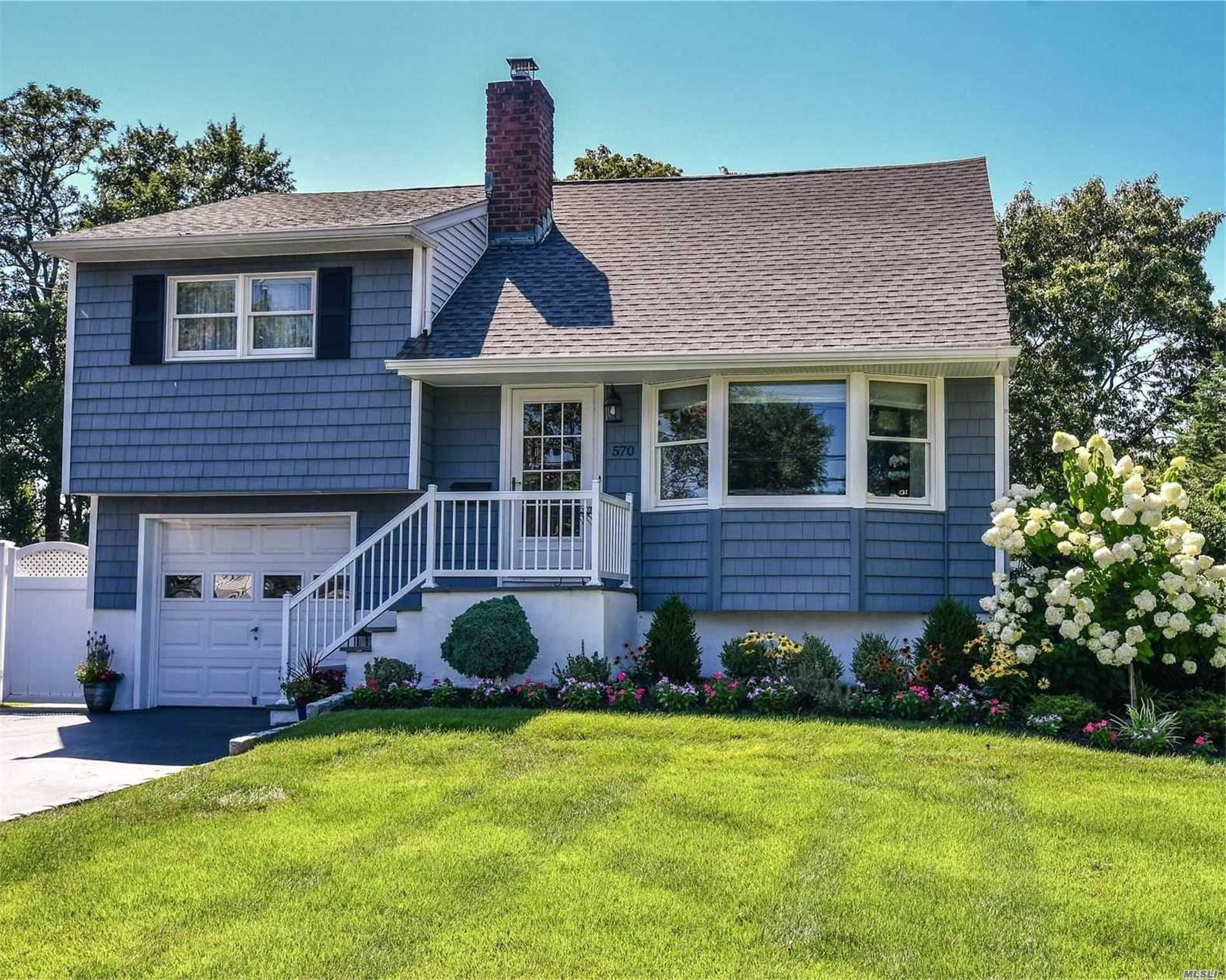 570 Peter Paul Dr, West Islip, NY 11795 - MLS#: 3239566