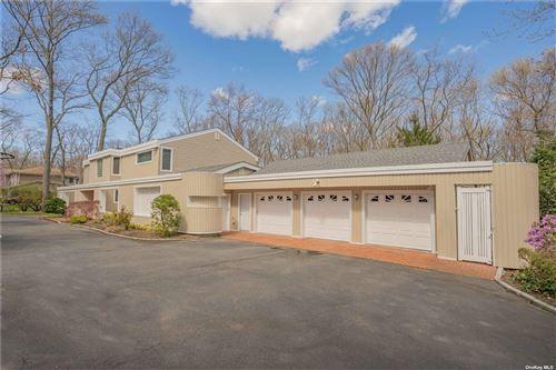 Photo of 7 Hearthstone Drive, Dix Hills, NY 11746 (MLS # 3304567)