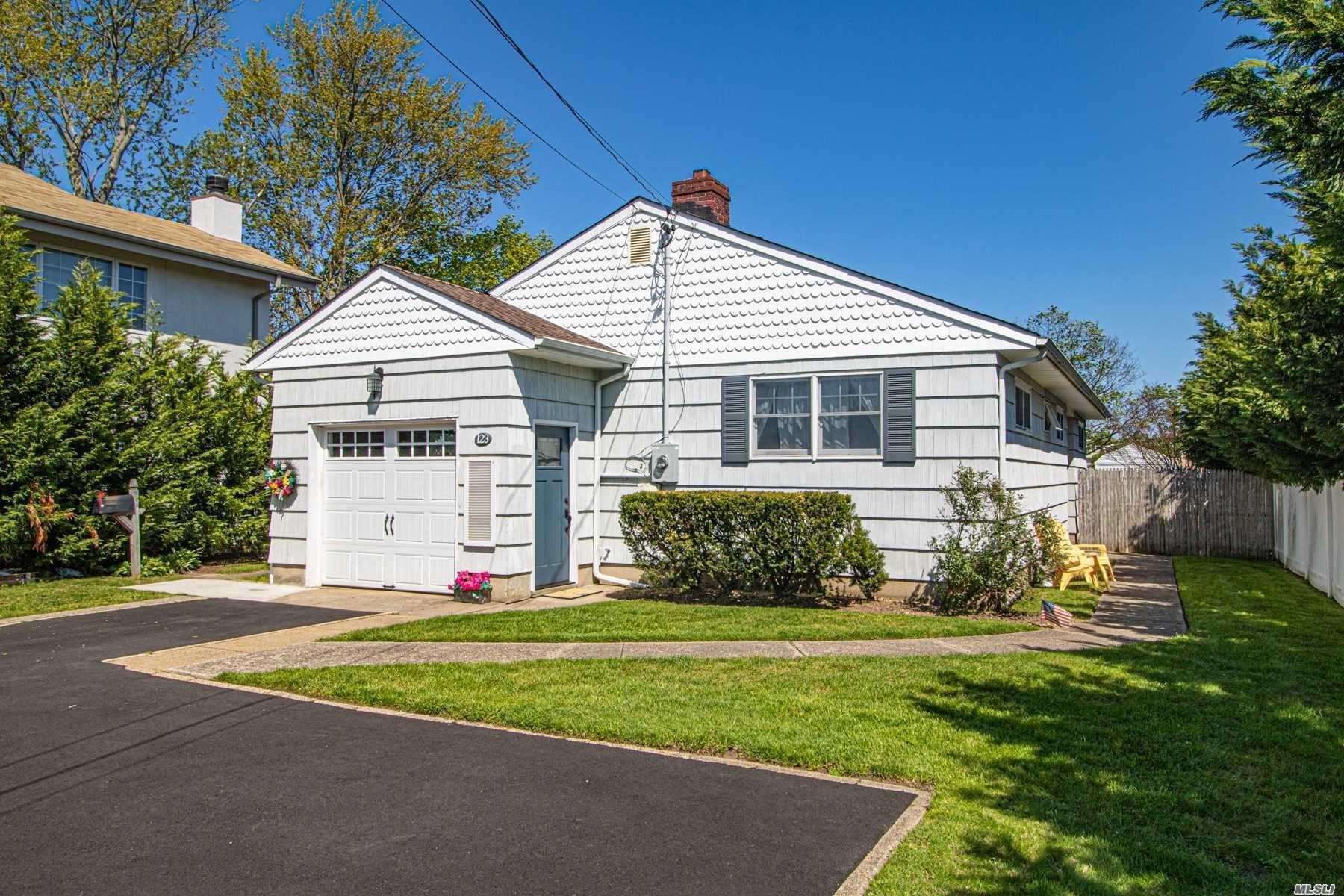 123 Ocean Avenue, Massapequa, NY 11758 - MLS#: 3214569