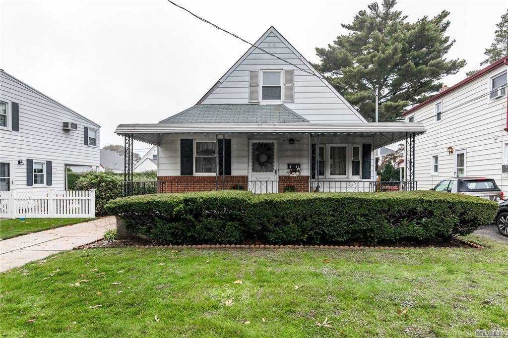 623 10th Avenue, New Hyde Park, NY 11040 - MLS#: 3262569