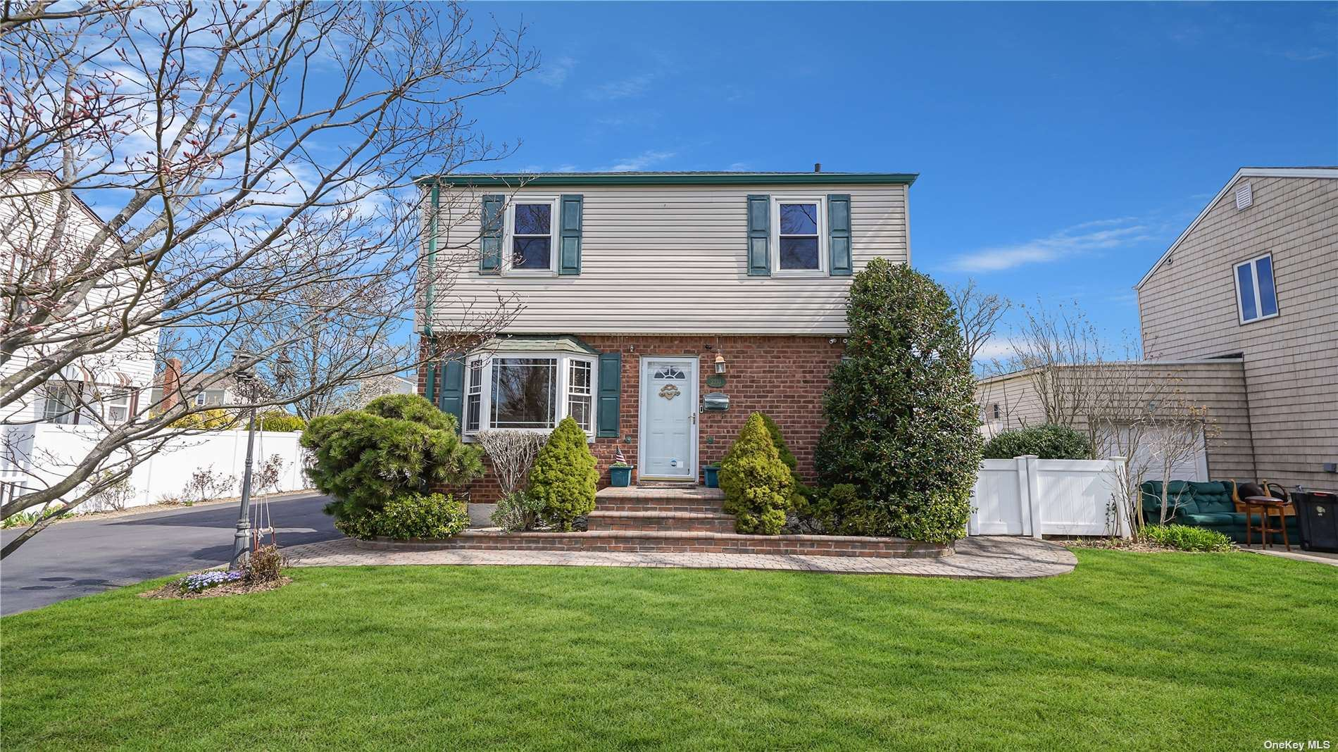 2233 4th Street, East Meadow, NY 11554 - MLS#: 3303569
