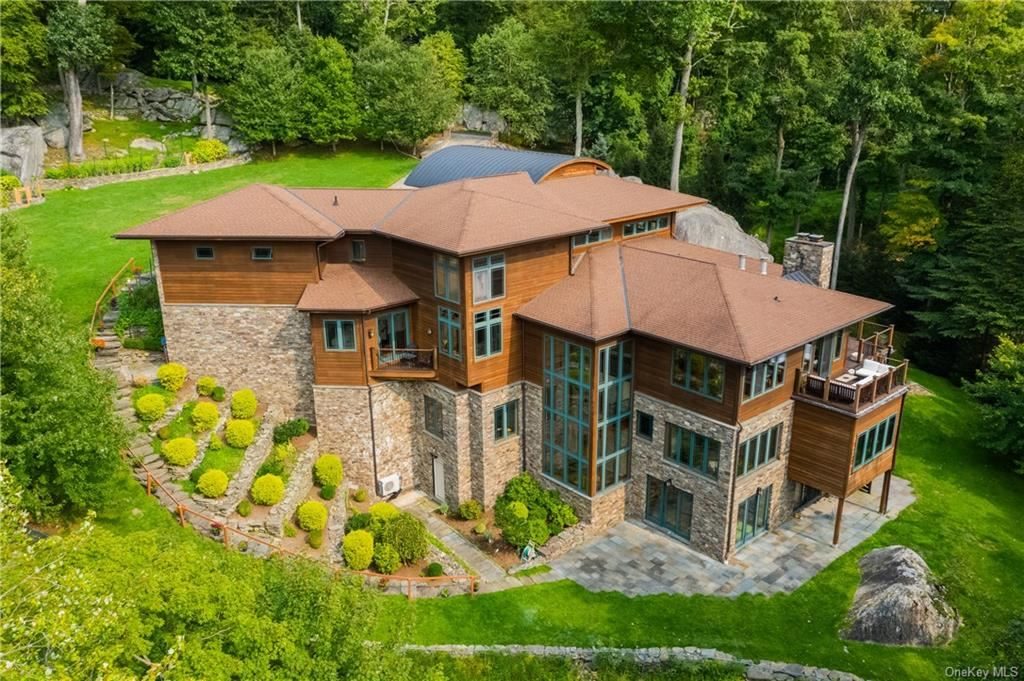 Photo for 13 Frog Rock Road, Armonk, NY 10504 (MLS # H6121570)