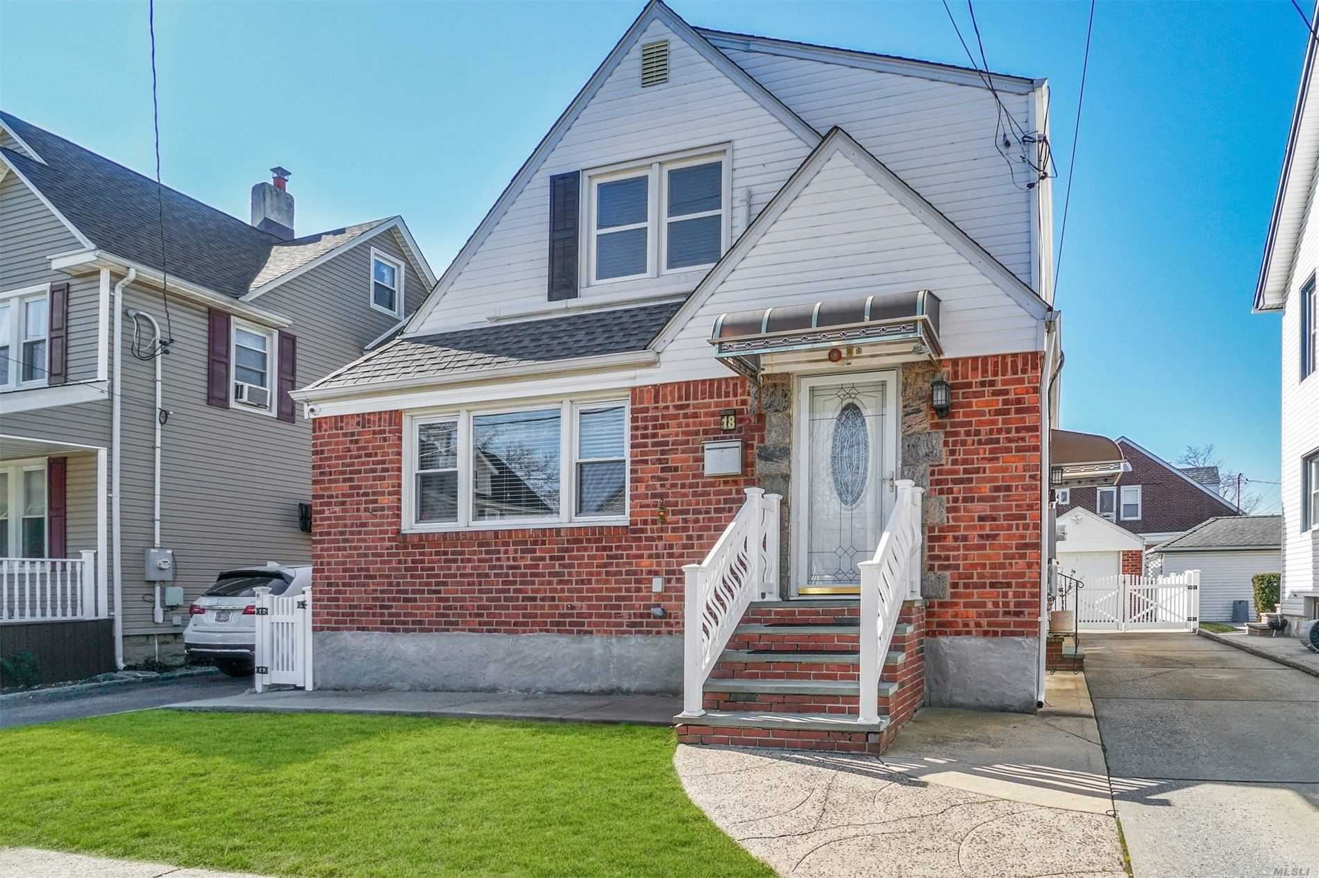 18 Flower Avenue, Floral Park, NY 11001 - MLS#: 3199572