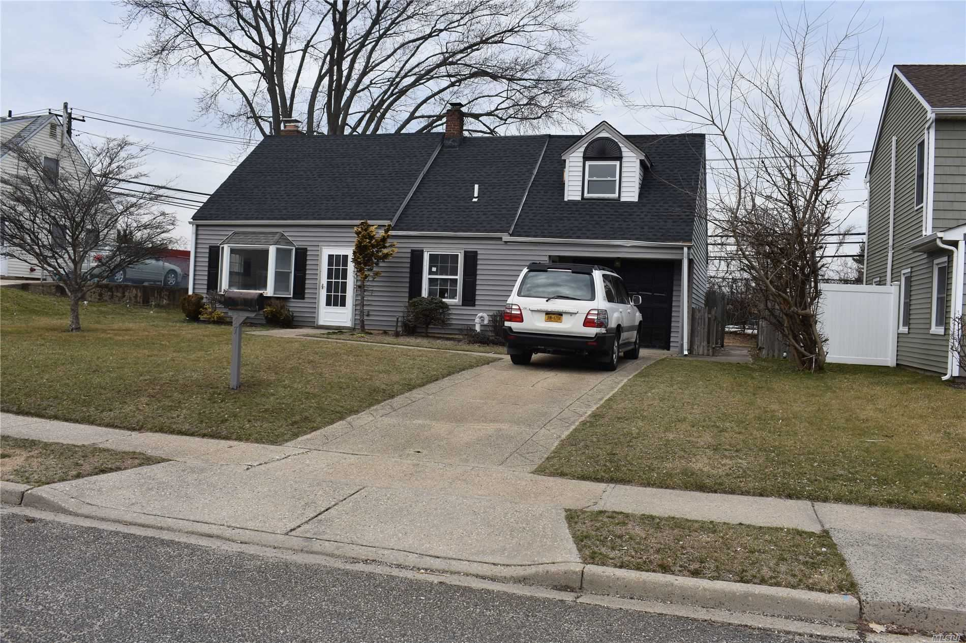 47 Green Ln, Levittown, NY 11756 - MLS#: 3200573