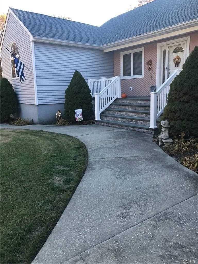 273 W End Avenue, Shirley, NY 11967 - MLS#: 3267573