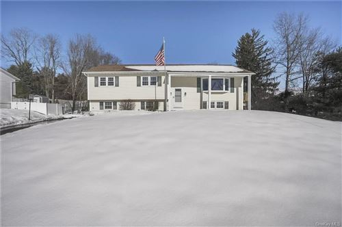 Photo of 38 Kevin Heights, Poughkeepsie, NY 12603 (MLS # H6095574)