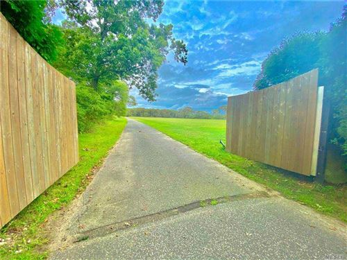 Photo of 17 Lewis Road, E. Quogue, NY 11942 (MLS # 3254576)