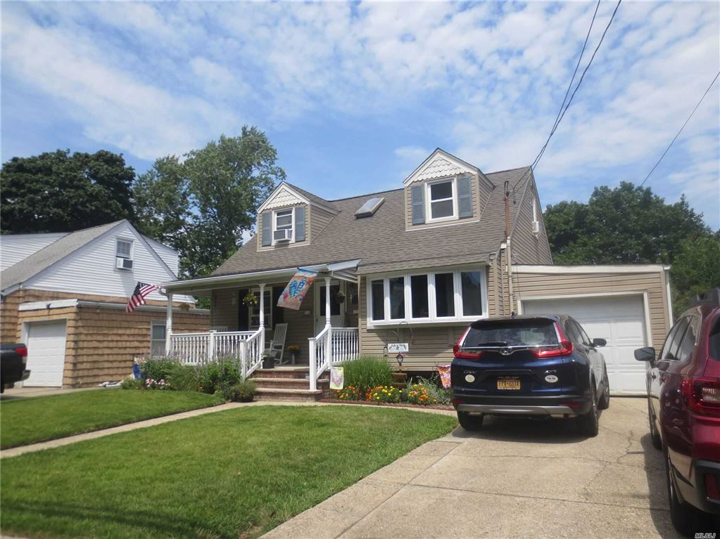 225 E Hawthorne Avenue, Valley Stream, NY 11580 - MLS#: 3152576