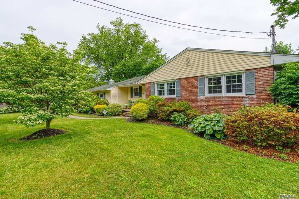 329 Phyllis Drive, Patchogue, NY 11772 - MLS#: 3137580