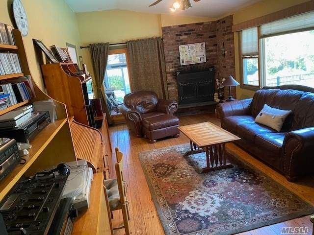 Photo of 63 Wildwood Ln, Smithtown, NY 11787 (MLS # 3255580)