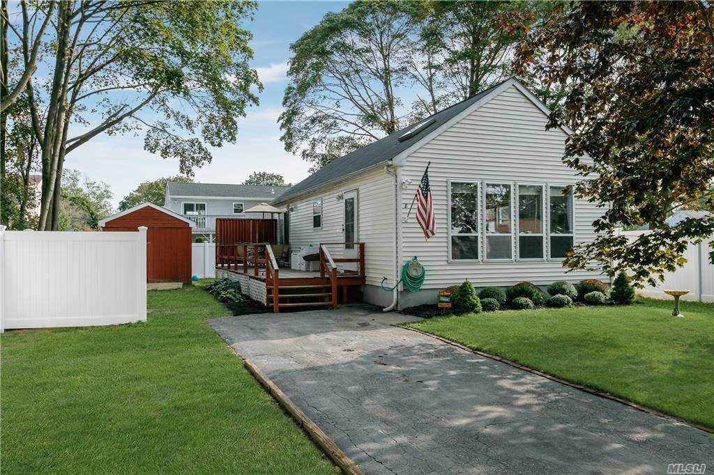 8 Holbrook Street, Bay Shore, NY 11706 - MLS#: 3252581