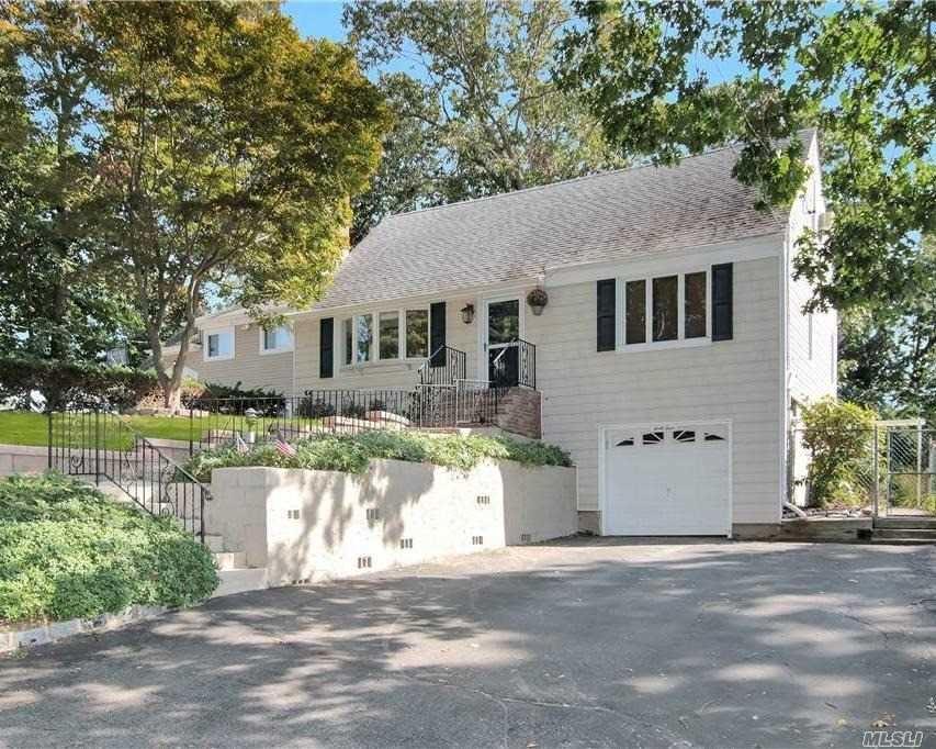 Photo of 44 Pearwood Drive, Huntington Sta, NY 11746 (MLS # 3255583)