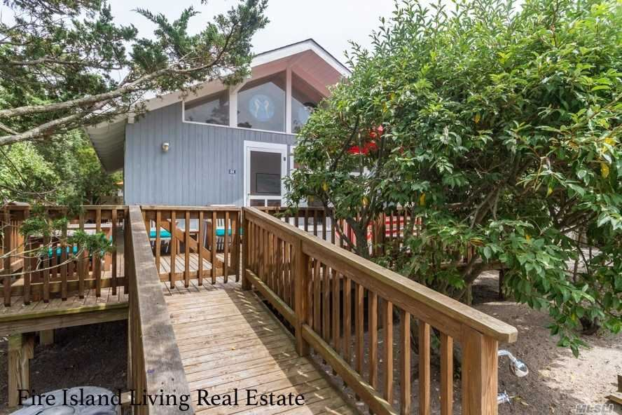 81 Oak Walk, Bay Shore, NY 11706 - MLS#: 3176588