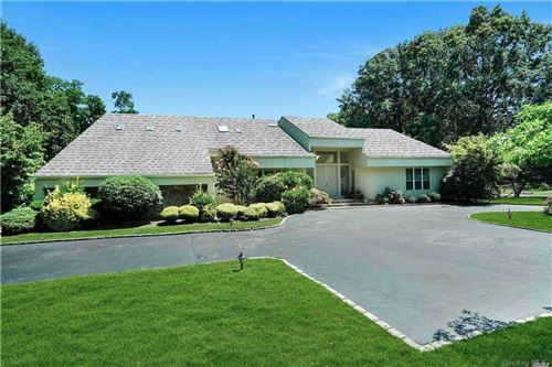 Photo of 5 Bridle Path Ct, Muttontown, NY 11545 (MLS # 3289589)