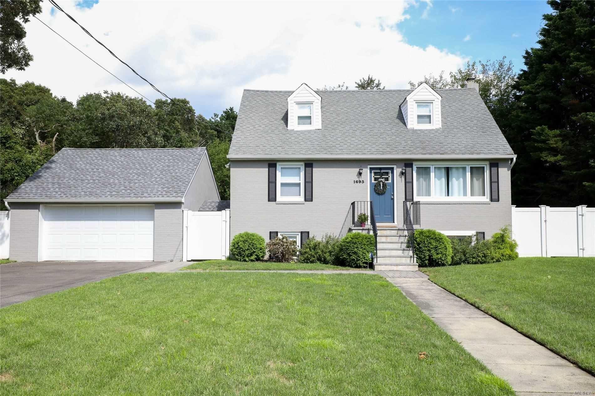 1693 Feureisen Avenue, Bohemia, NY 11716 - MLS#: 3244590