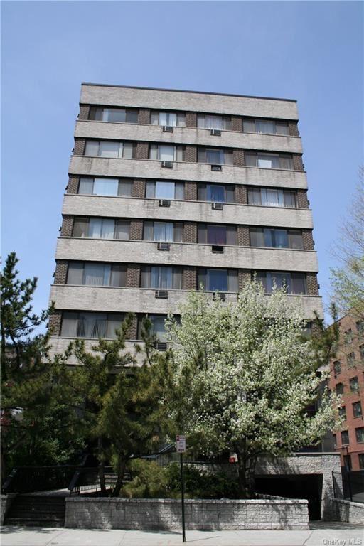 Photo of 7 Lake Street #5-O, White Plains, NY 10603 (MLS # H6114593)